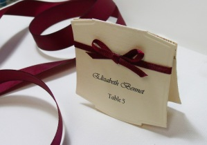 place card with bow 1